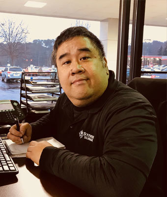 Service Technician Harry Loui in Service at Stivers Decatur Subaru