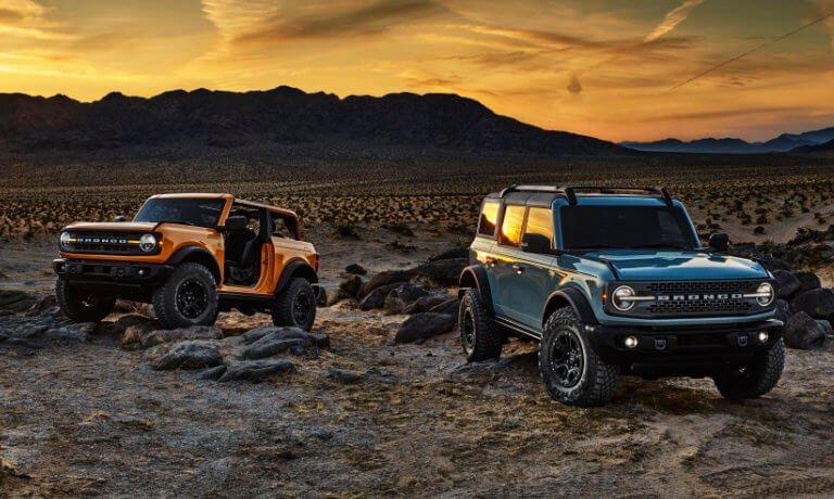 2021 Ford Bronco 2 door and 4 door in desert