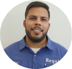 Service Advisor Alex Rosario in Service Center at Regal Honda