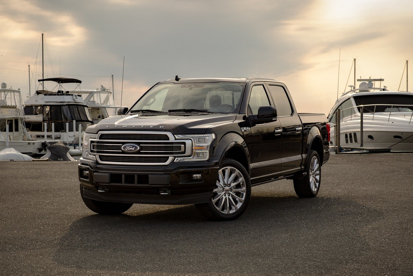 New Ford F-150 Limited SuperCrew Black