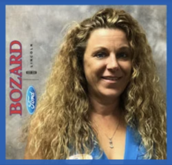 Lincoln Specialist Tanya Tamanek in Internet at Bozard Ford Lincoln