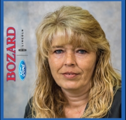 Quick Lane Service Advisor Mary Lata in Quicklane at Bozard Ford Lincoln
