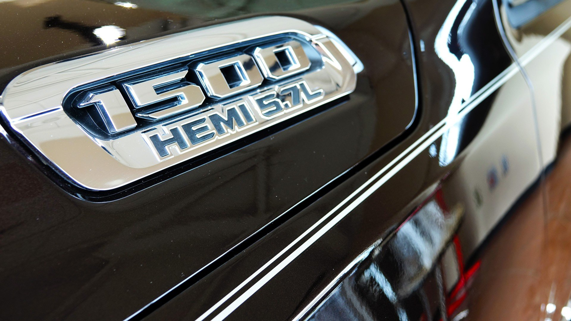 Ram 1500 Accessories - Hemi 5.7L