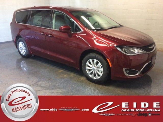 Lease this 2018, Red, Chrysler, Pacifica, Touring Plus