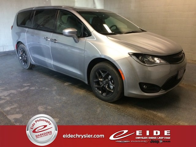 Lease this 2019, Silver, Chrysler, Pacifica, Touring Plus