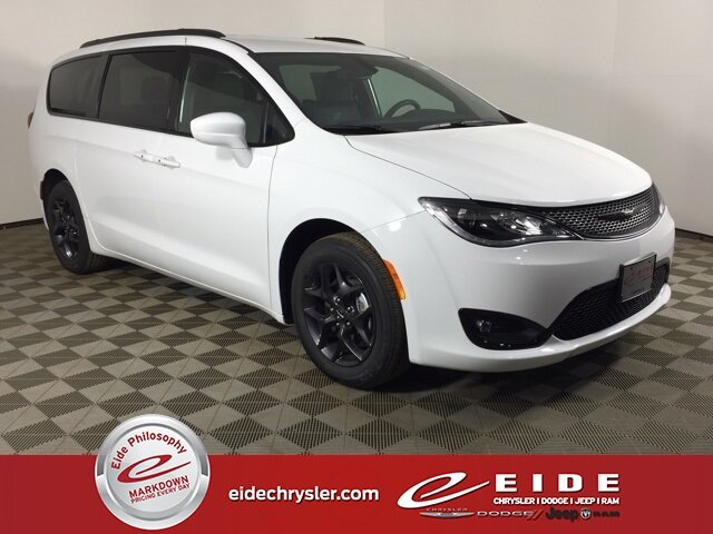 Lease this 2020, White, Chrysler, Pacifica, Touring L Plus
