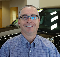Service Manager Steve Schaefbauer in Service at Eide Chrysler