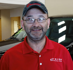 Warranty Administrator Mike House in Service at Eide Chrysler