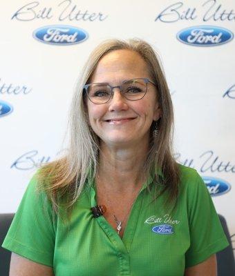 Rental Administrator Mitzi Mangham in Service at Bill Utter Ford
