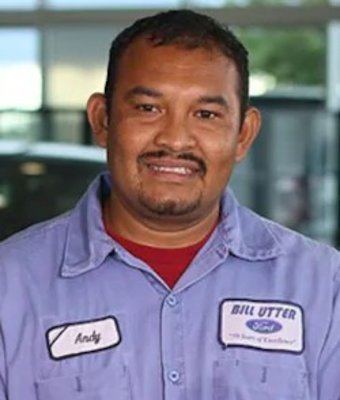 Paint Technician Andy Cueves in Collision at Bill Utter Ford