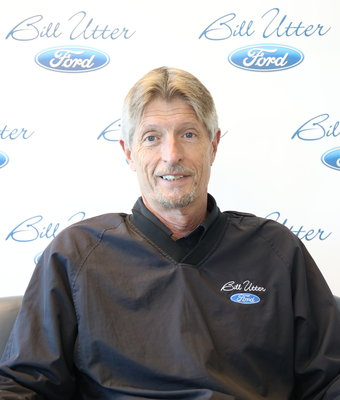 Asst. Service Manager Greg Hall in Service at Bill Utter Ford