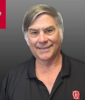 Assistant Service Manager Robert Groh in Service at Hawkinson Nissan