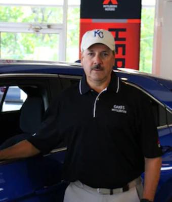 Parts Manager Dan Davidson in Parts & Service at Oakes Mitsubishi