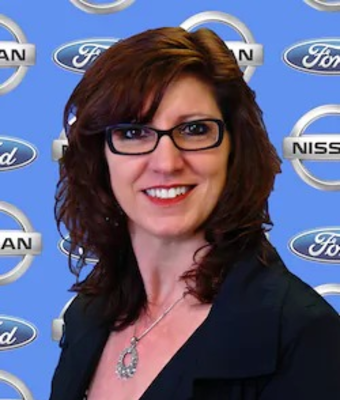 Quick Lane Manager Denise Percell in Service at Chuck Colvin Ford