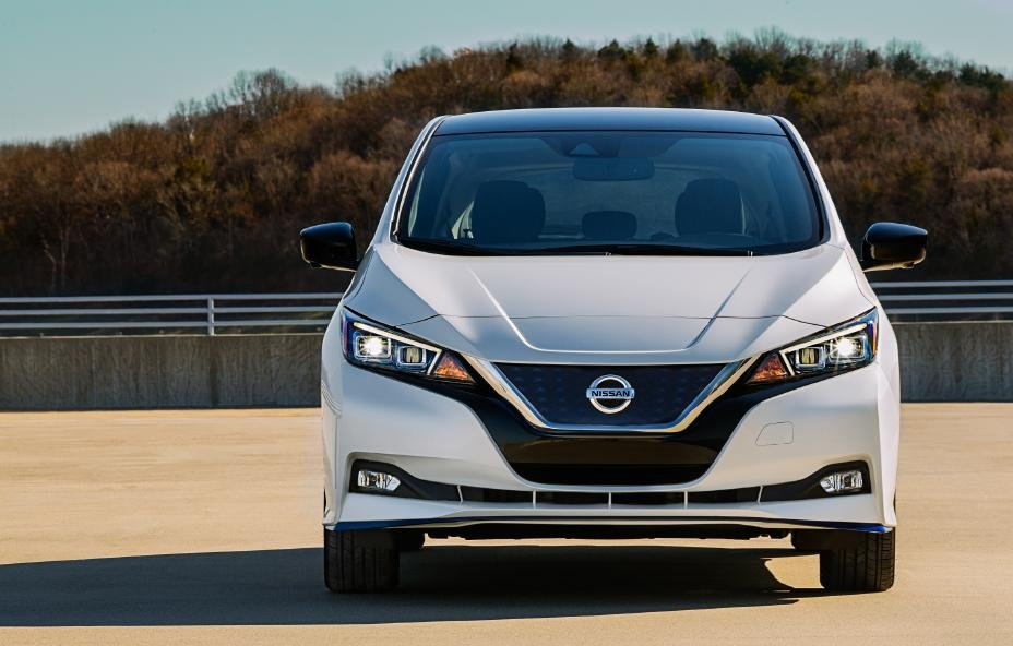 "Nissan LEAF named an Autotrader ""10 Best Electric Cars for 2021"""