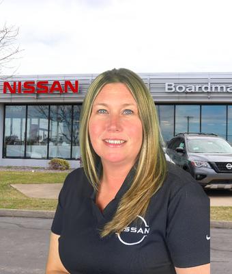 HR Director Evon Cavelli in Management at Boardman Nissan