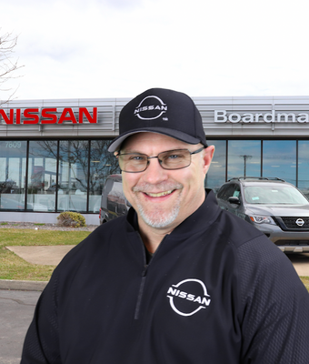 Service Advisor Rick Barley in Service at Boardman Nissan