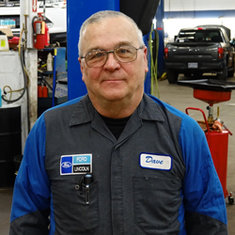 Master Technician Dave Breding in Service at Eide Ford Lincoln
