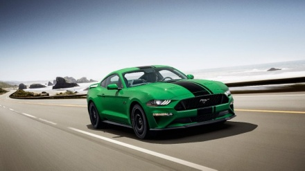 The all-new Need for Green hue available on the 2019 Mustang