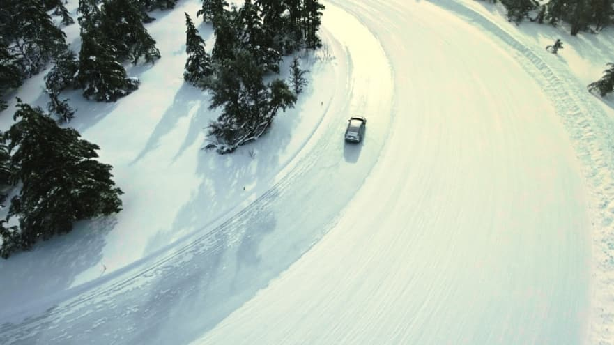 car driving on snow