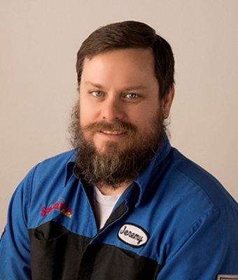 Lead Chrysler Technician Jeremy Hoerle in Service at Schmidt Motors