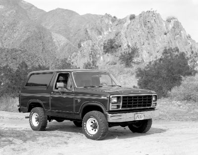 1980 Ford Bronco exterior front fasica and drivers side black and white photo