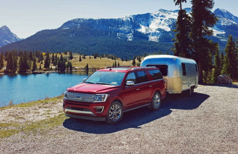 2018 ford expedition towing trailer