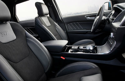 2019 Ford Edge interior front cabin seats and steering wheel