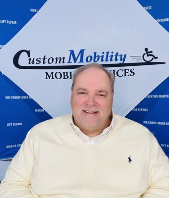 Sales Manager Ron Baker in Sales at Custom Mobility