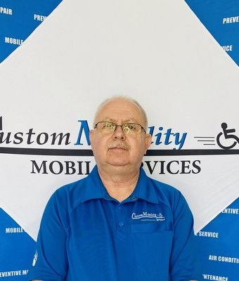 Inventory Manager Bruce Joiner in Manager at Custom Mobility