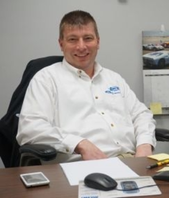 Service Manager Patrick Zimmer in Service at RC Lacy Ford Lincoln Subaru