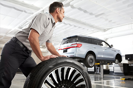 Purchase four select tires, receive a $70 rebate by mail or earn 30,000 Lincoln Access Rewards™ bonus Points**