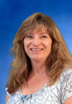 Vendor Specialist Lisa Wynn in Sales at Farrish of Fairfax