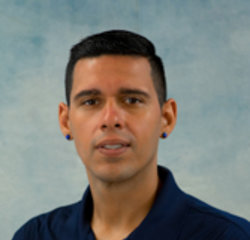 Service Advisor Oscar Soler in Service at Universal Nissan