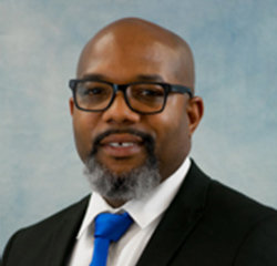Special Finance Manager Alfonso Scurry in Finance at Universal Nissan
