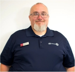 Service Advisor Chad Root in Service at Universal Nissan