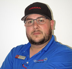 Express Service Manager Robert Stumpf in Service at Universal Nissan
