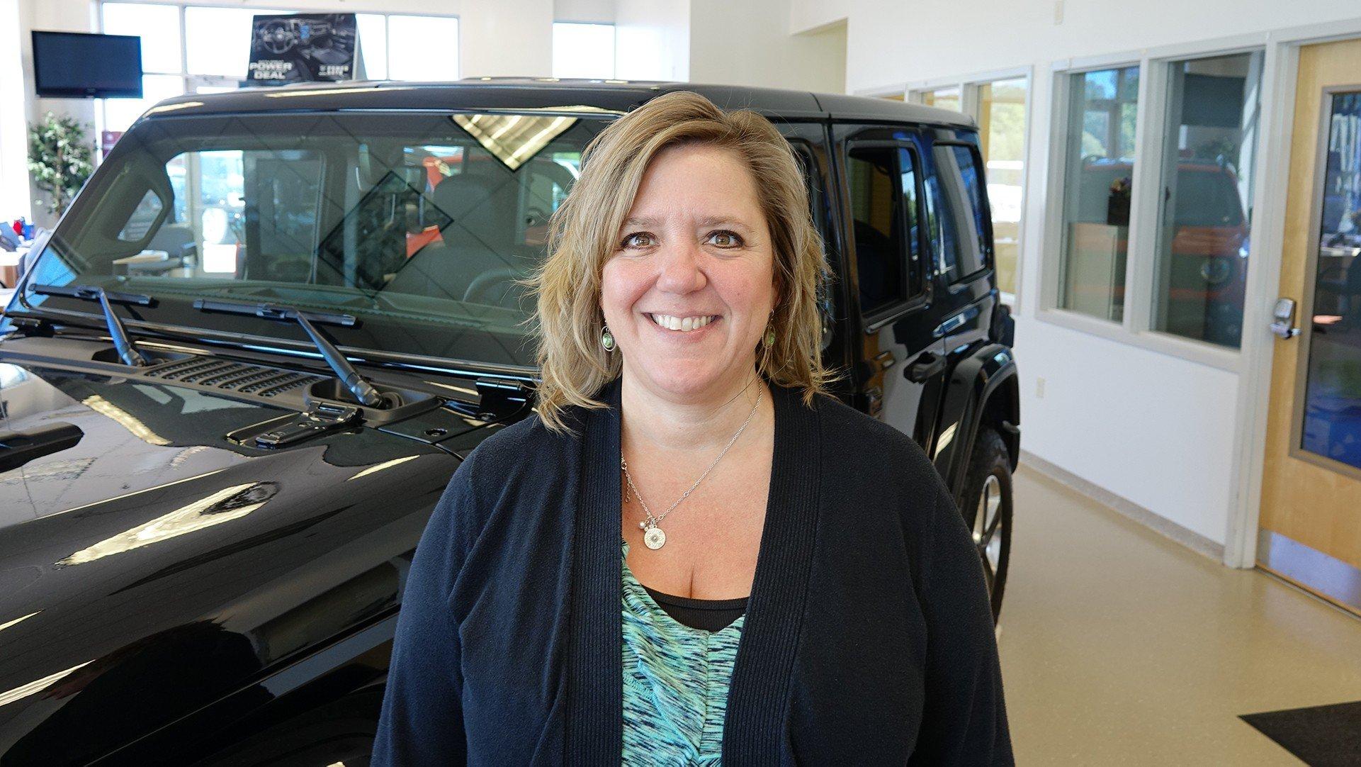 Sales Consultant Lisa Horst