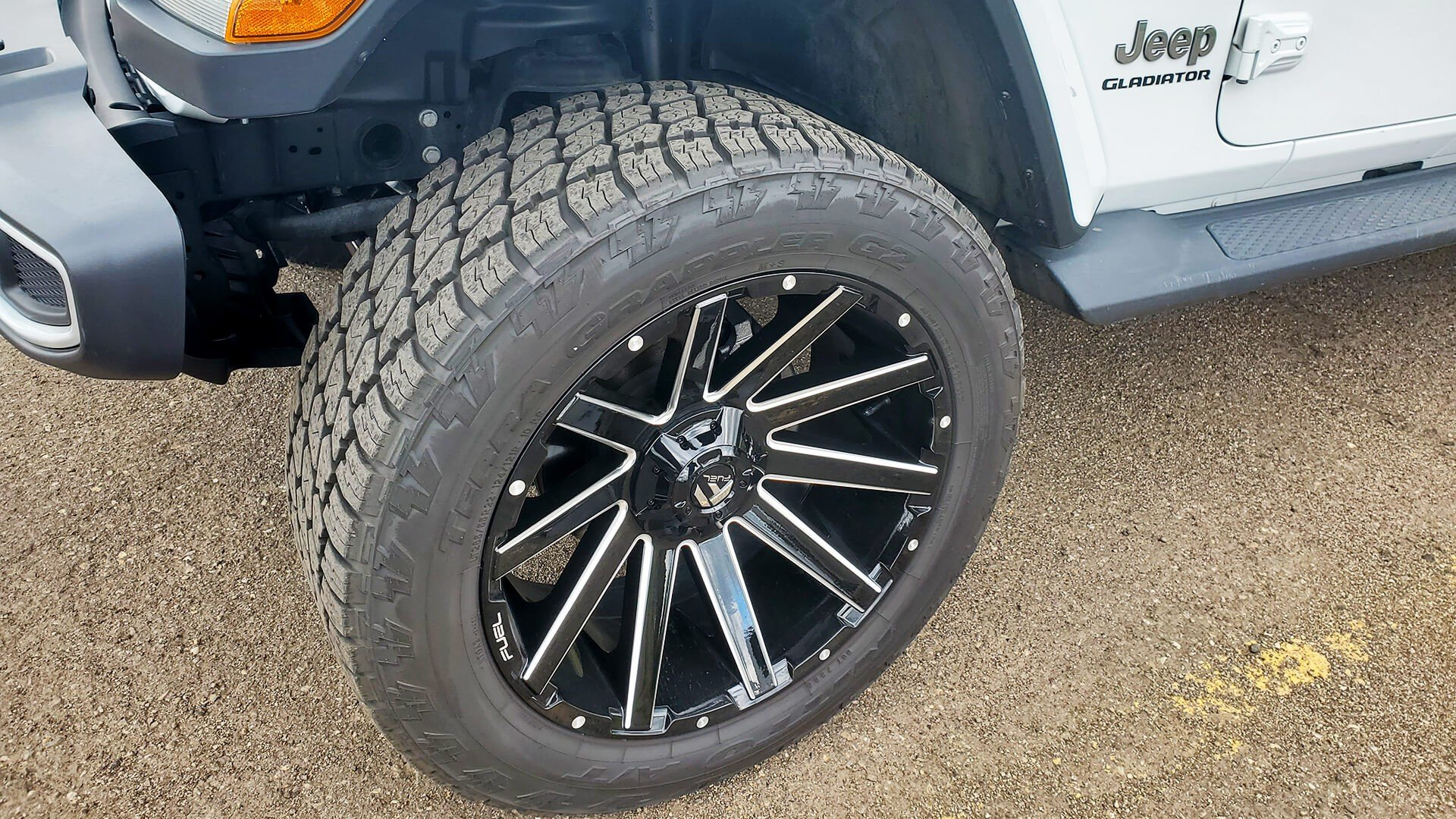 Tires and wheels on a new Jeep Gladiator