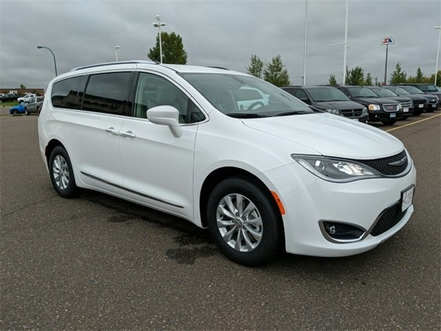 Lease this 2019, White, Chrysler, Pacifica, Touring L