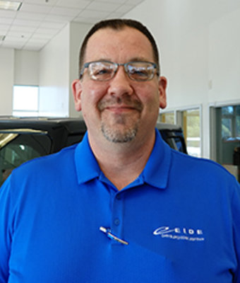 SERVICE ADVISOR Tom Hayes in Service at Eide CDJR Pine City