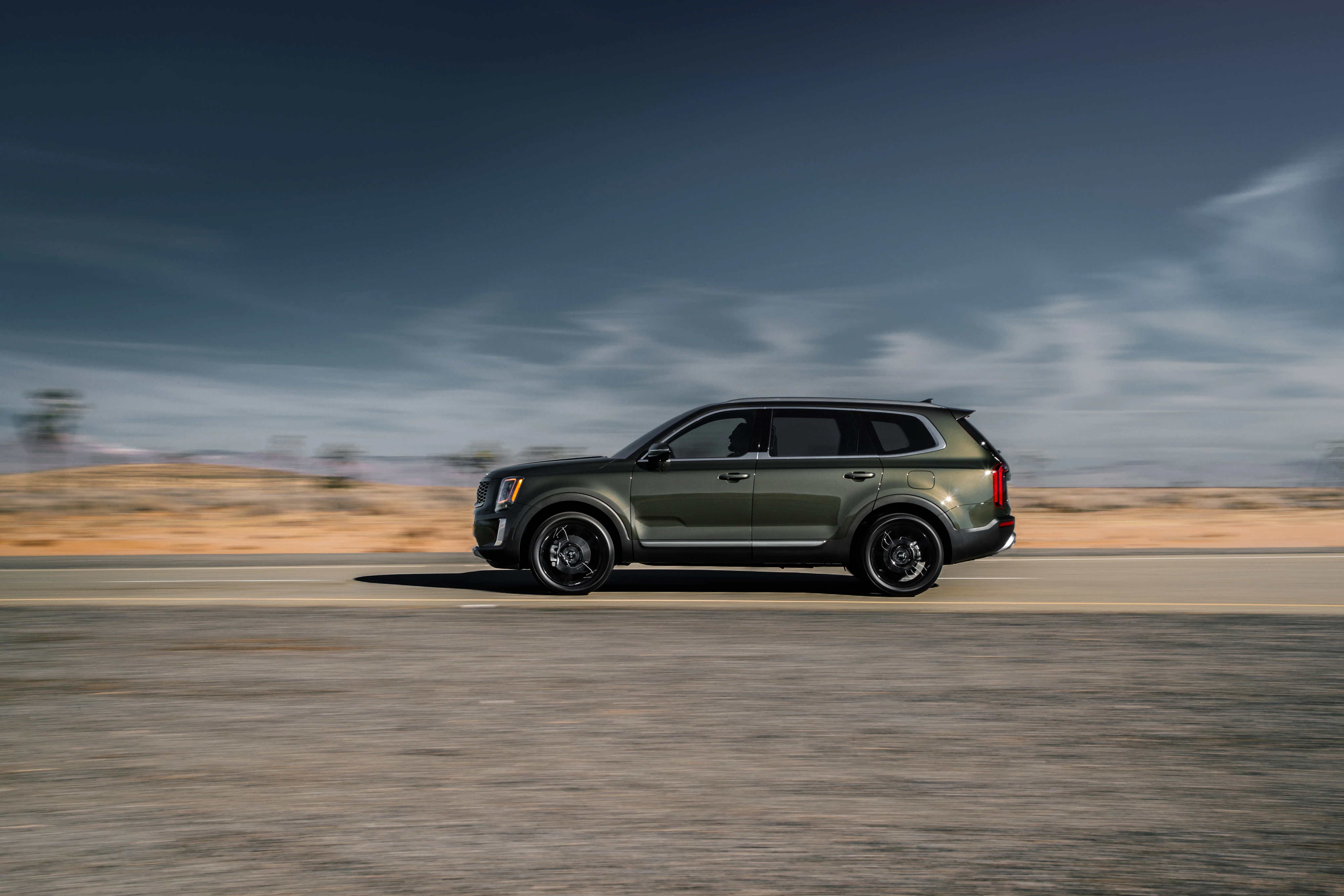 brand new 2020 kia telluride driving in edmond