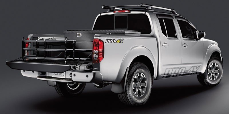 Nissan Frontier Back