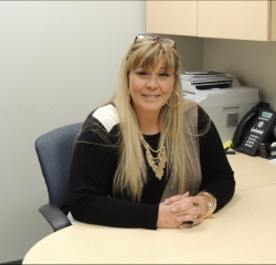 Biller Debbie Decarlo in Finance at South Shore Hyundai
