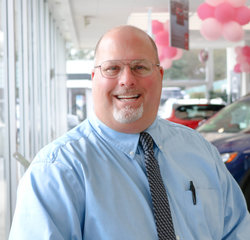 Nissan Sales Consultant Marc Gruben in Sales Team at Sansone Jr's 66 Automall